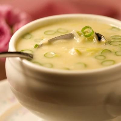Como fazer sopa creme de alho-poró